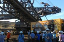 Besucher im Tagebau