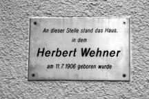 Gedenktafel am Geburtshaus von Herbert Wehner in Dresden