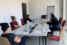 Unsere erste Teamsitzung im neuen Seminarraum