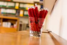 Rote Kugelschreiber im Wehnerwerks-Design